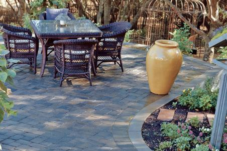 Country Cobble Paver Patio